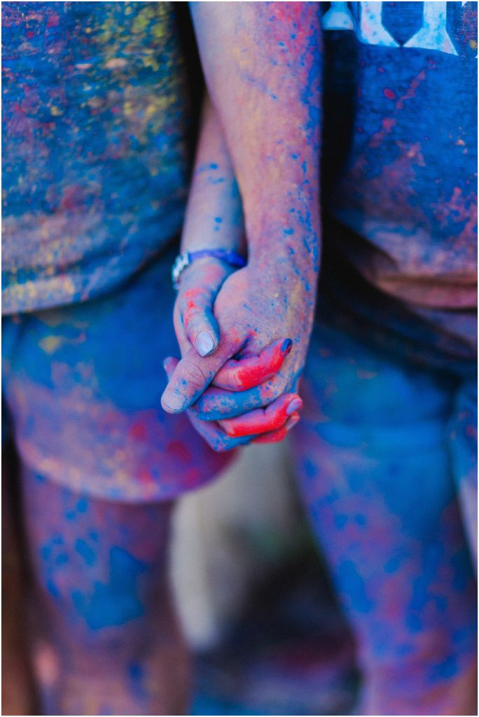 Colour powder engagement