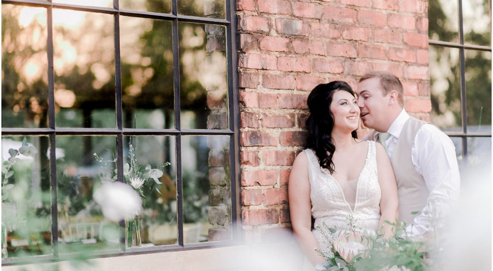 Lariska & Johnathan // Lace on Timber